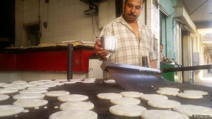 القطايف..حلوى رمضانية لذيذة ورخيصة