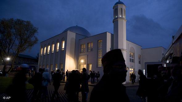 مسجد الأحمدية في العاصمة الألمانية برلين