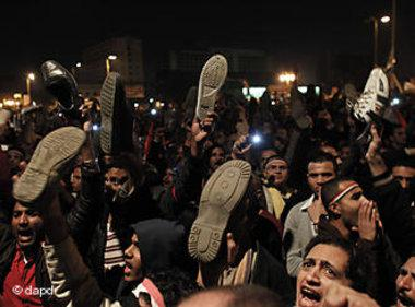 """""""الصعود إلى الهاوية""""...حياة حسني مبارك في صور"""