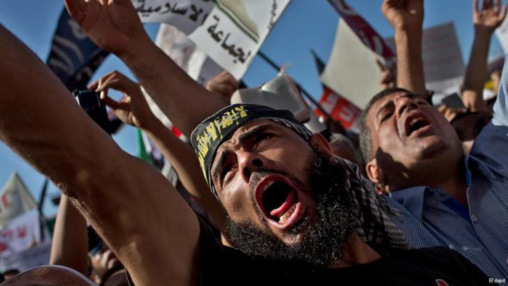 حظر الأحزاب الدينية في مصر.. بداية النهاية للإسلام السياسي؟