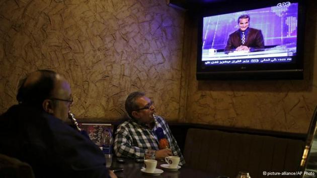 باسم يوسف: السخرية في خدمة الديمقراطية