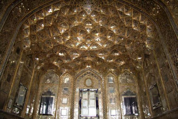 قصر جهل ستون (الأربعون عمودًا)، photo: Shohreh Karimian and Johannes Ziemer