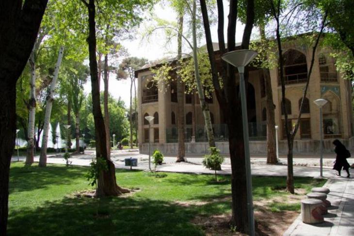 قصر هشت بهشت (قصر الفردوس الثامن)، photo: Shohreh Karimian and Johannes Ziemer