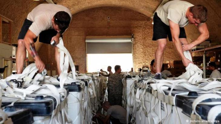 قامت طائرات أمريكية بإسقاط معونات على منطقة جبل سنجار طيلة عدة أيام