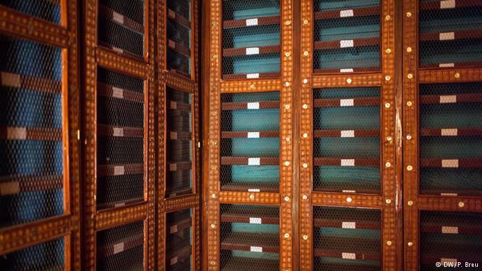 """لم يعد هناك ولو كتاب واحد في مكتبة """"ذاكرة ماما حيدرة"""" في تمبكتو. ولا أحد يعرف ما إذا كانت هذه المكتبة ستأوي في رفوفها أي وثائق أو مخطوطات تذكر."""