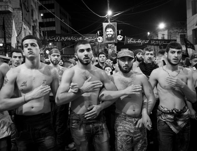 شعائر الحزن الشيعية على الحسين في لبنان. تصوير: مايا أوتفوي