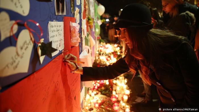 اتخذ الآلاف من شبكات التواصل الاجتماعي منبرا للتعبير عن حزنهم لوفاة توتشه.