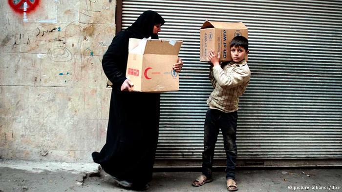 نقص المواد الغذائية والطبية، الذي تعاني منه أغلب المدن السورية، تسبب بمئات الوفيات.