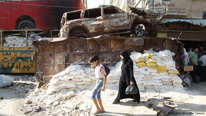 مضت أربع سنوات على اندلاع الحرب في سوريا، والتي راح ضحيتها لغاية اليوم مئات الآلاف من المدنيين، الذين عانوا الأمرين من الدمار والبراميل المتفجرة.