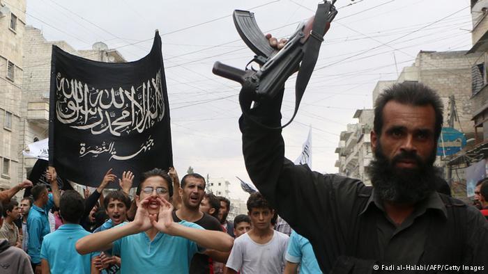 اتهم محققو الأمم المتحدة مقاتلين سوريين مناهضين باقتراف جرائم.