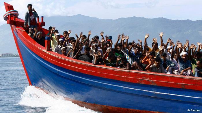 منذ عام 2012 نزح من بورما (ميانمار) وحدها حوالي مئة ألف من الروهينغا، حيث تستغل العصابات المنظمة وضعهم لكسب أرباح تجارية عبر تهجيرهم في قوارب مكتظة، ينتهي العديد منها بالغرق.