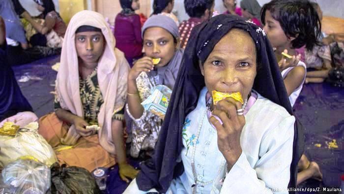 مستقبل الروهينغا الهاربين من بورما والذين تقطعت بهم السبل في ماليزيا وإندونيسيا يبقى مجهولاً في انتظار صدور قرار لبعثة المنظمة الدولية للهجرة حول الخطوات الممكنة للتعامل مع الوضع.