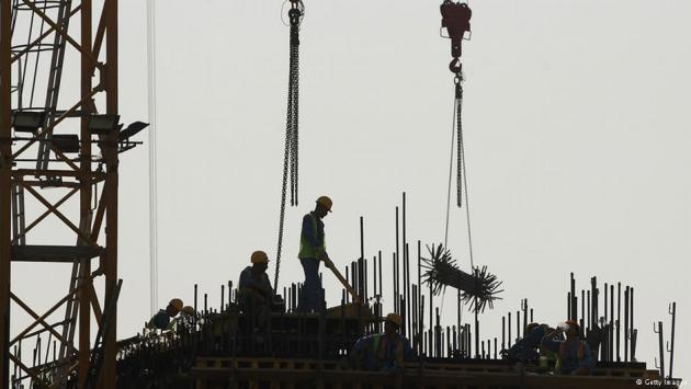عامل أجنبي في قطر