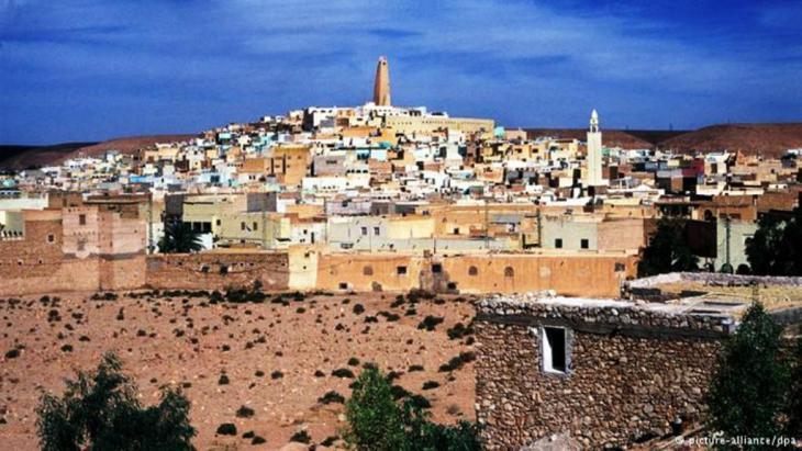 في عمق الصحراء الجزائرية تقع مدينة غرداية