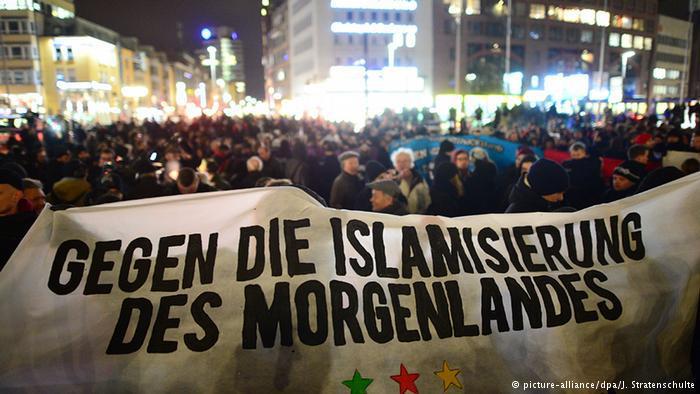 مظاهرة مناهضة للإسلام في مدينة هانوفر، شمالي ألمانيا.