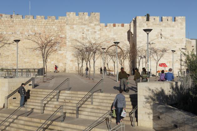 عُمرانيات إسرائيلية حديثة تستولي على القدس القديمة. Felix Koltermann