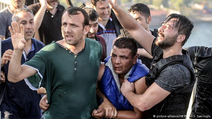 تركيا بعد الانقلاب العسكري الفاشل، إردوغان، غولن ، كولن ، غولان ، الجيش التركي. لسان الحال الأتراك: ديمقراطية منقوصة خير من ديكتاتورية العسكر
