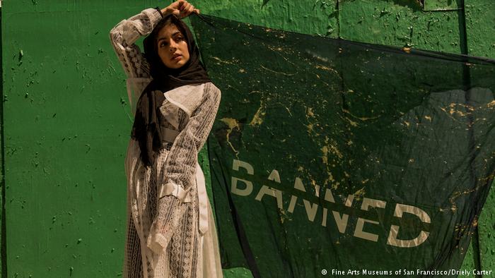 أزياء إسلامية في معارض الموضة الأمريكية الأوروبية تكافح الإسلاموفوبيا وتعزز الحرية الدينية