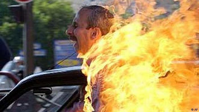 احتجاجات إيرانية شعبية عارمة من جديد ضد عمامات الملالي الحاكمة