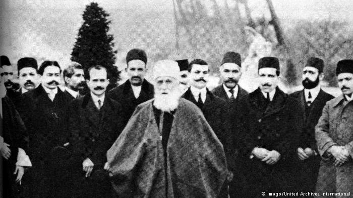 اضطهاد البهائيين في إيران مهد الديانة البهائية