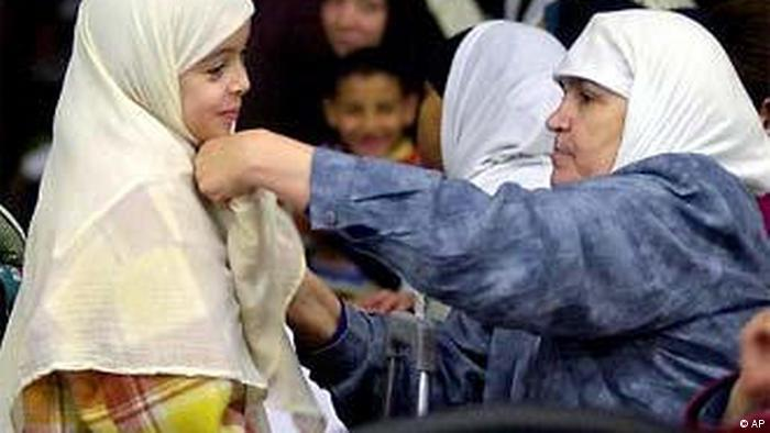 توزع المسلمين في ديموغرافية أوروبا لخلفيات سياسية وتاريخية وللبحث عن سبل الحياة المعيشية