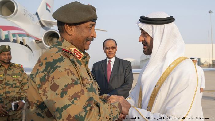 صراع على نوعية نظام الحكم في السودان بين التيارات المدنية والقوى العسكرية