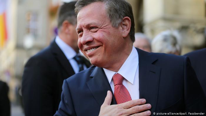 الملكيات العربية - سلطوية متسلطة أم إصلاحية مرنة؟ Deutschland Jordaniens König Abdullah II erhält Westfälischen Friedenspreis (picture-alliance/dpa/I. Fassbender)