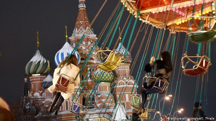 روعة أسواق أعياد ميلاد المسيح الأوروبية في صور