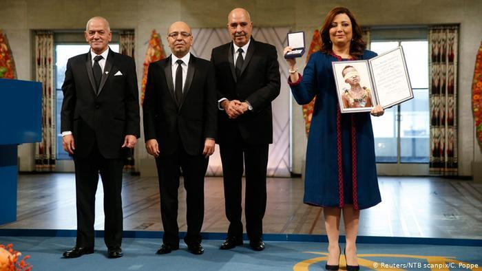 تونس في رحلة العملية الديمقراطية والبحث عن تحقيق الآمال