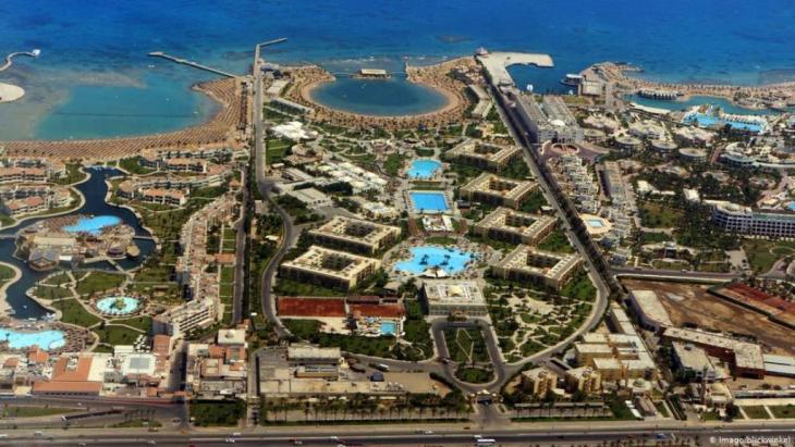 تفشي فيروس كورونا يشكل ضربة لقطاع السياحة المصري الذي يرتكز بشكل كبير على هذا المورد الحيوي (أرشيف)