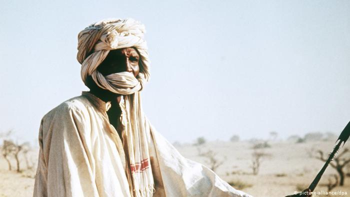 تقبل طبيعي للكمامات - حتى قبل كورونا حماية الأنف والفم عادة شائعة في ثقافات إفريقية