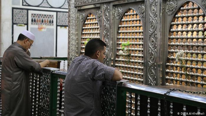 ذكرى عاشوراء في زمن كورونا بين العراق ومصر وسوريا ولبنان وإيران - حزن المسلمين الشيعة على مقتل الإمام الحسين حفيد النبي محمد
