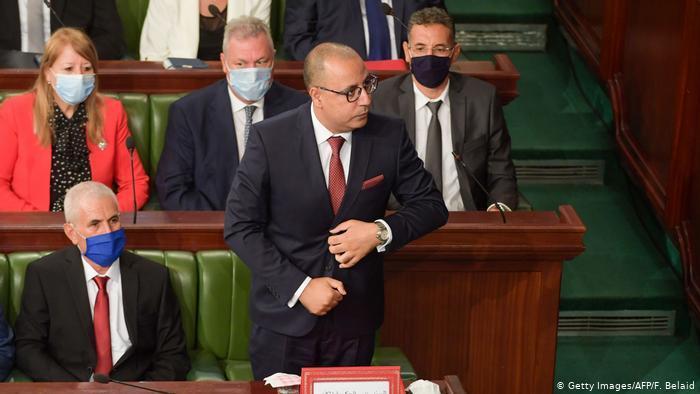 """عشرة أعوام على """"الربيع العربي"""" - ماذا تبقى من الثورة في تونس ومصر؟"""