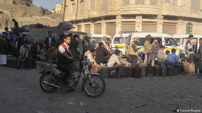 لقطات من كفاح اليمنيين من أجل الحياة في ظل الفقر والحرب والوباء - اليمن