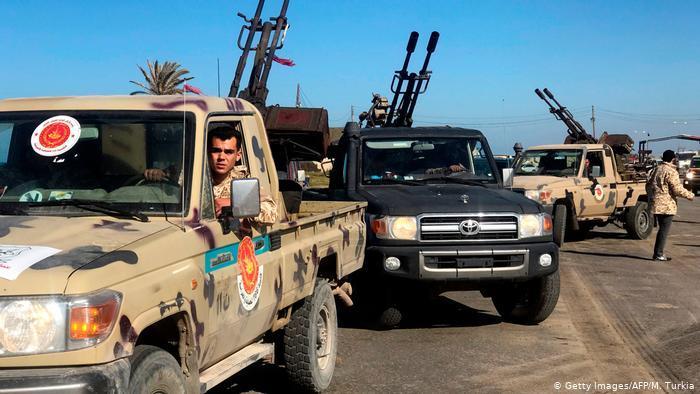 ليبيا ساحة للصراع بين تركيا ومصر: كانت ليبيا، التيتملك أكبر احتياطيمن النفطفي أفريقيا، ساحة للصراع التركي المصري. فليبيا التي عاشت انقساما بين سلطتين: حكومة الوفاق الوطني ومقرّهاطرابلس، والمشير خليفة حفتر ومقره طبرق، شهدت صراعات عسكرية على الأرض بين الفرقاء دعمتها تركيا ومصر بالإضافة لروسيا والإمارات.