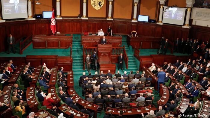 تونس ـ محطات وعرة على درب مخاض ديمقراطي عسير politik_in_tunesien_reuters