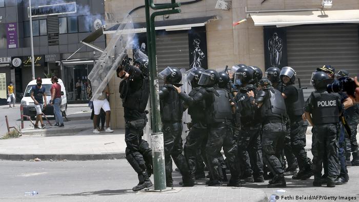 تونس ـ محطات وعرة على درب مخاض ديمقراطي عسيرpolitik_in_tunesien_getty_images