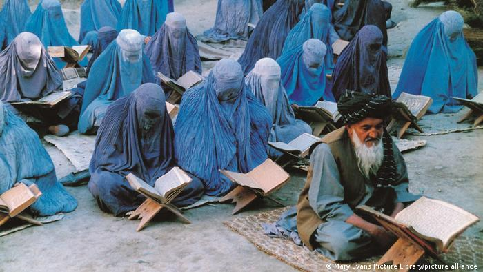 "هكذا عرضت السينما العالمية ""مأساة"" أفغانستان 06_Wie das Weltkino die Tragödie Afghanistans zeigte _ Foto Imago"