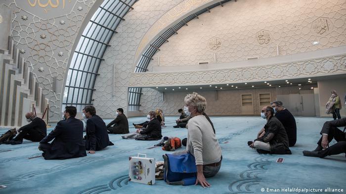 يوم المساجد المفتوحة في ألمانيا 2021 - تراجع عدد الزوار لا يعود فقط إلى كورونا 02_Deustchland Köln Tag der offenen Moschee FOTO PICTURE ALLIANCE