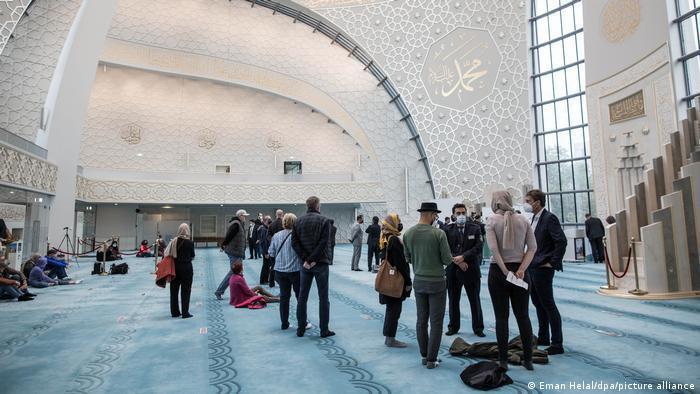 يوم المساجد المفتوحة في ألمانيا 2021 - تراجع عدد الزوار لا يعود فقط إلى كورونا 06_Deustchland Köln Tag der offenen Moschee FOTO PICTURE ALLIANCE