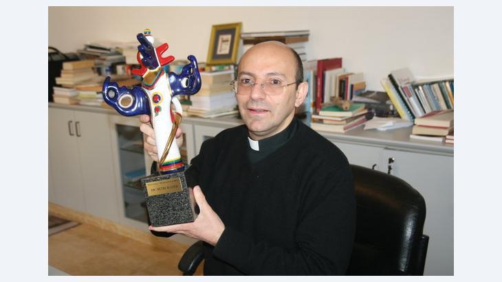 منح  القس الفلسطيني متري الراهب جائزة الإعلام الألماني، الصورة مهند حامد