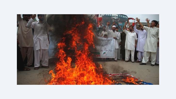 تظاهرات دموية ضد فيلم براءة المسلمين  في الباكستان  الصورة رويترز