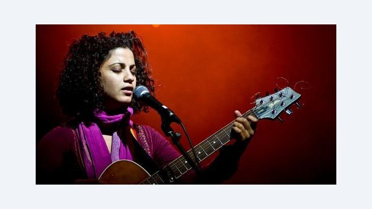 المغنية التونسية آمال مثلوثي