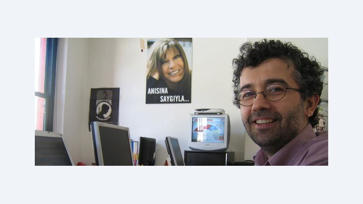 إيرول أونديرولو من منظمة ''مراسلون بلا حدود'' الصورة اريان فاريبوز