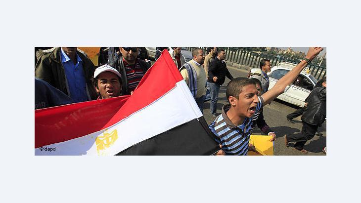حتى الآن لم تتضح آلية تنفيذ قرار تمكين المصريين في الخارج من التصويت في الانتخابات البرلمانية والرئاسية
