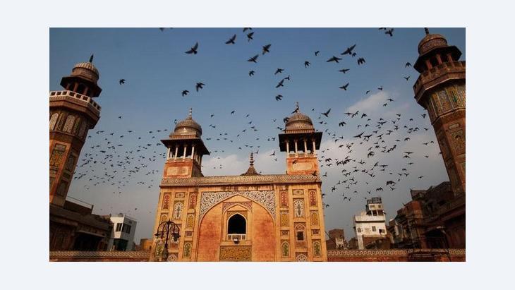 مسجد في لاهور الصورة دانيل بيرهاولك