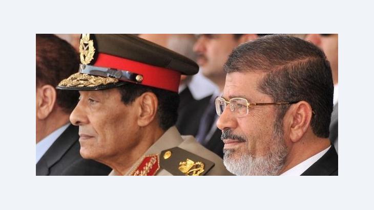 قلب مرسي الكرسي على العسكر د ب ا