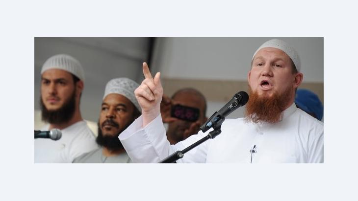 بيير فوغل في حفل اعتناقه للإسلام