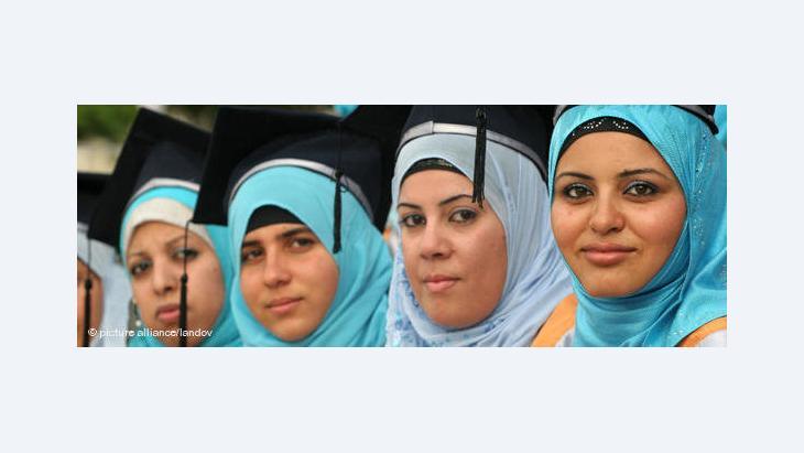 المرأة الفلسطينية وسوق العمل......طاقات إبداعية تحاصرها العقلية الذكورية