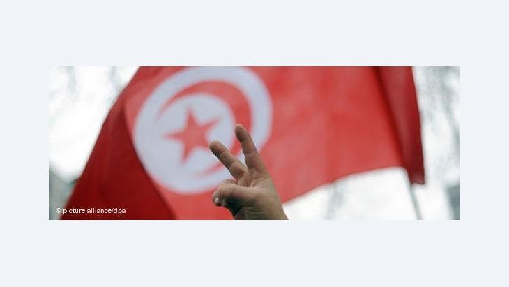 نحو 1600 قائمة انتخابيّة ترشّحت لانتخابات المجلس التّأسيسي، بينها نحو 700 قائمة لشخصيات أو تحالفات مستقلّة والبقية قائمات لأحزاب أو تحالفات بين أحزاب